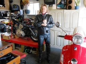 Jeff prepares to ride.