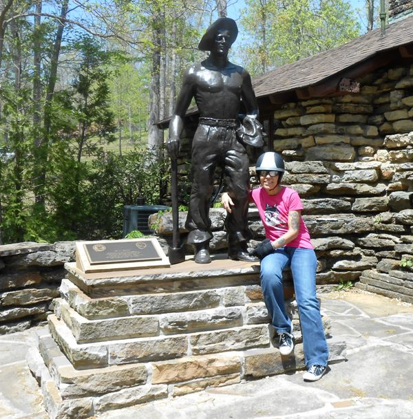 Pamo and the statue at Pickett State Park.