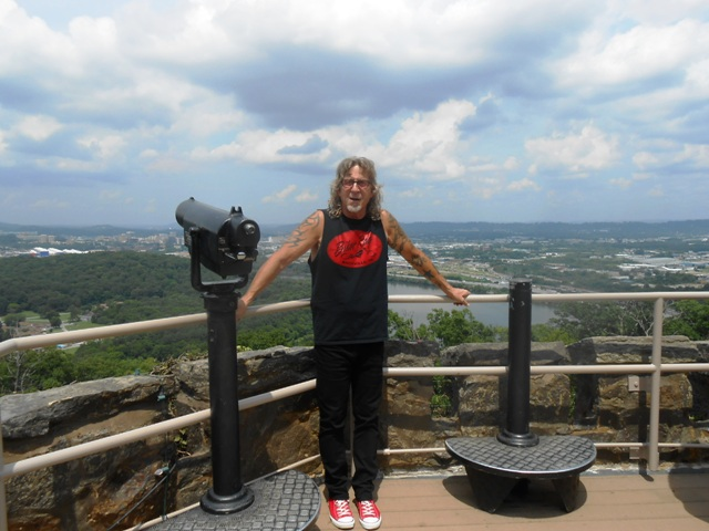Jeff poses at Ruby Falls overlook.
