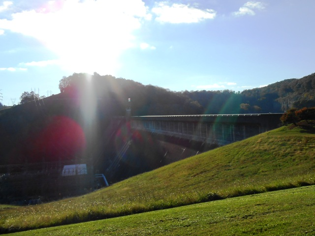 Late afternoon sun at Norris Dam.
