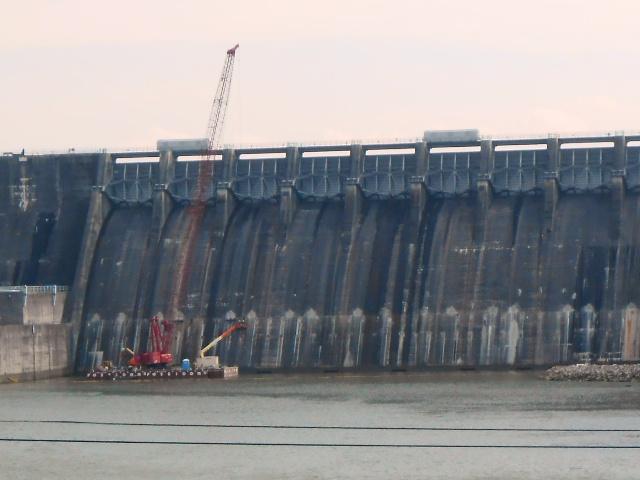 Construction at the Cherokee Dam.