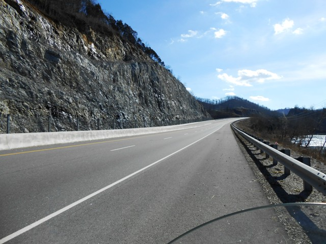 25E is a beautiful scenic road climbing over Clinch Mountain.