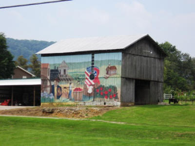 Nice barn art across the street from the deli and store.
