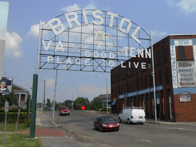And here is the famous Bristol sign that separates Virginia and Tennessee.
