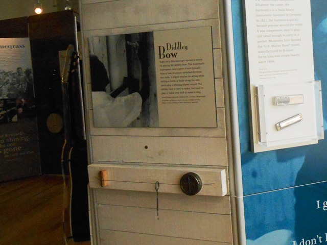 The Diddley Bow- an early musical instrument. Cool!