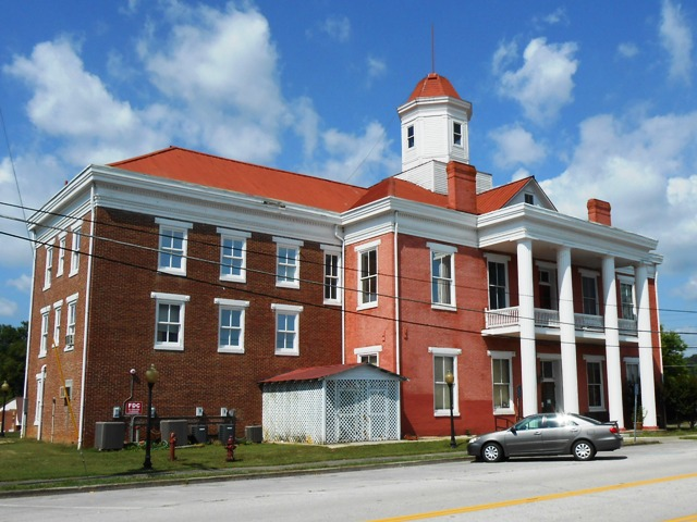 Here's the beautiful court house in Kingston.