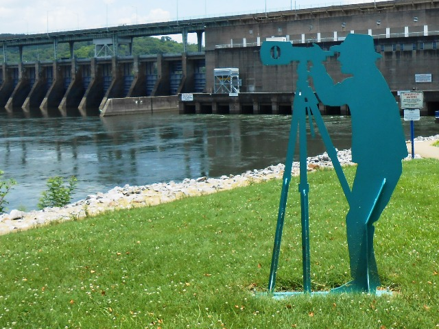 A fun sculpture at the Chickamauga Dam.