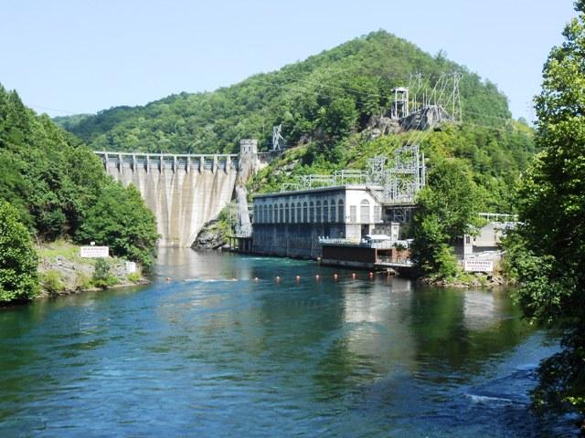 Cheoah Dam on 129.
