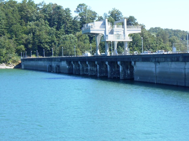 Closer view of the dam.