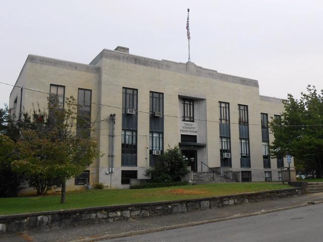 Polk County courthouse in Benton, TN.