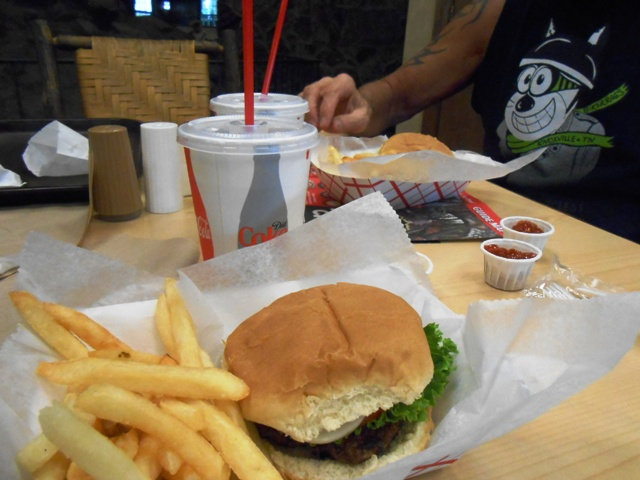 The hamburgers were fresh and the staff was very friendly.