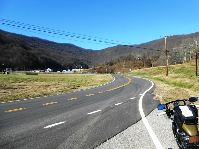 Looking up at 116 heading toward the Devil's Triangle. Brushy Mountain State Prison is in the distance.
