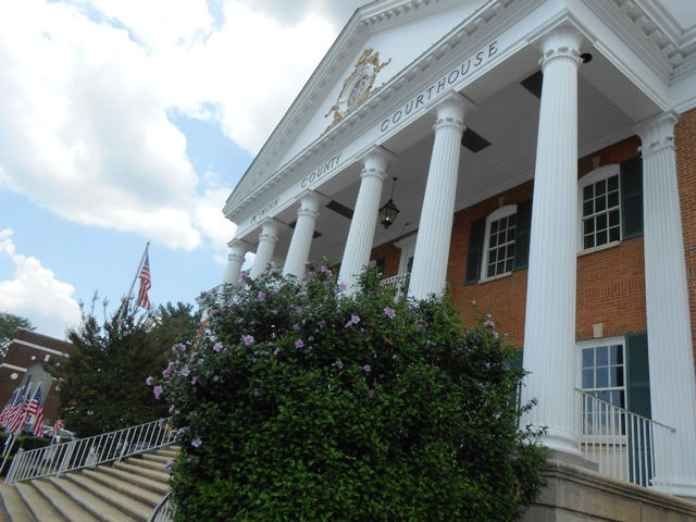 The McMinn County Courthouse is beautiful.