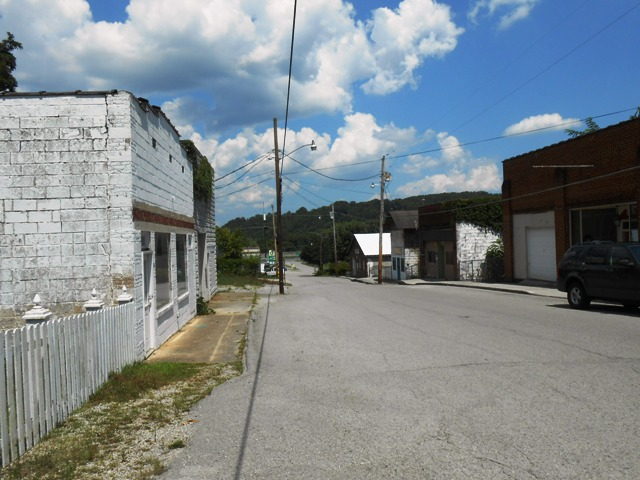 Cool old buildings in Caryville.