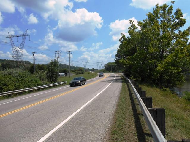 On Edgemoor Road heading toward our Melton Hill Lake turn.