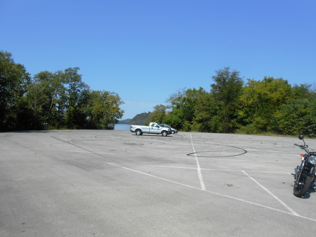 We stopped at one of the boat docks off 129, just before the Foothills Parkway.